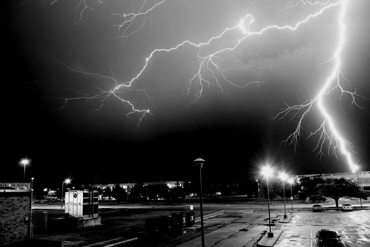 闪电,夜间,城市,4K风景壁纸