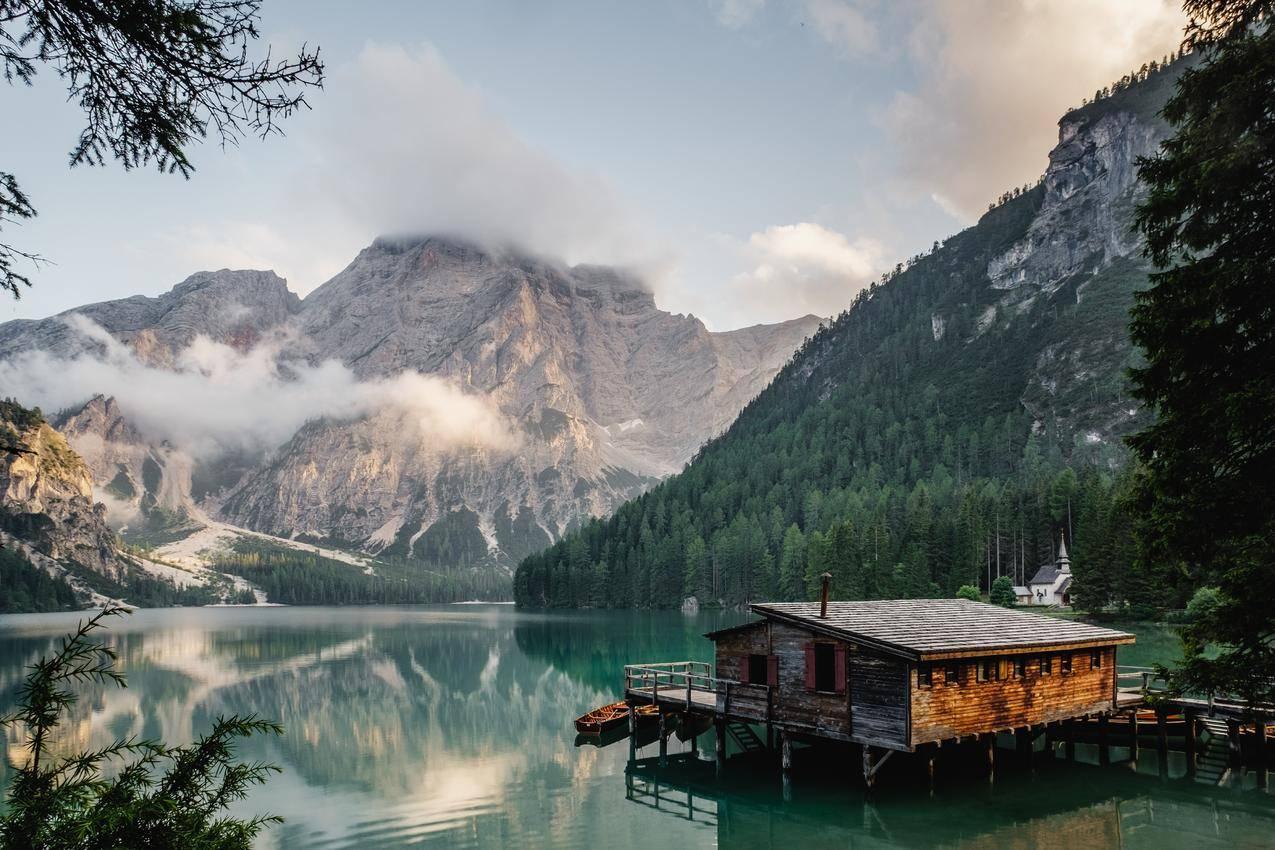 湖,房子,4K风景壁纸