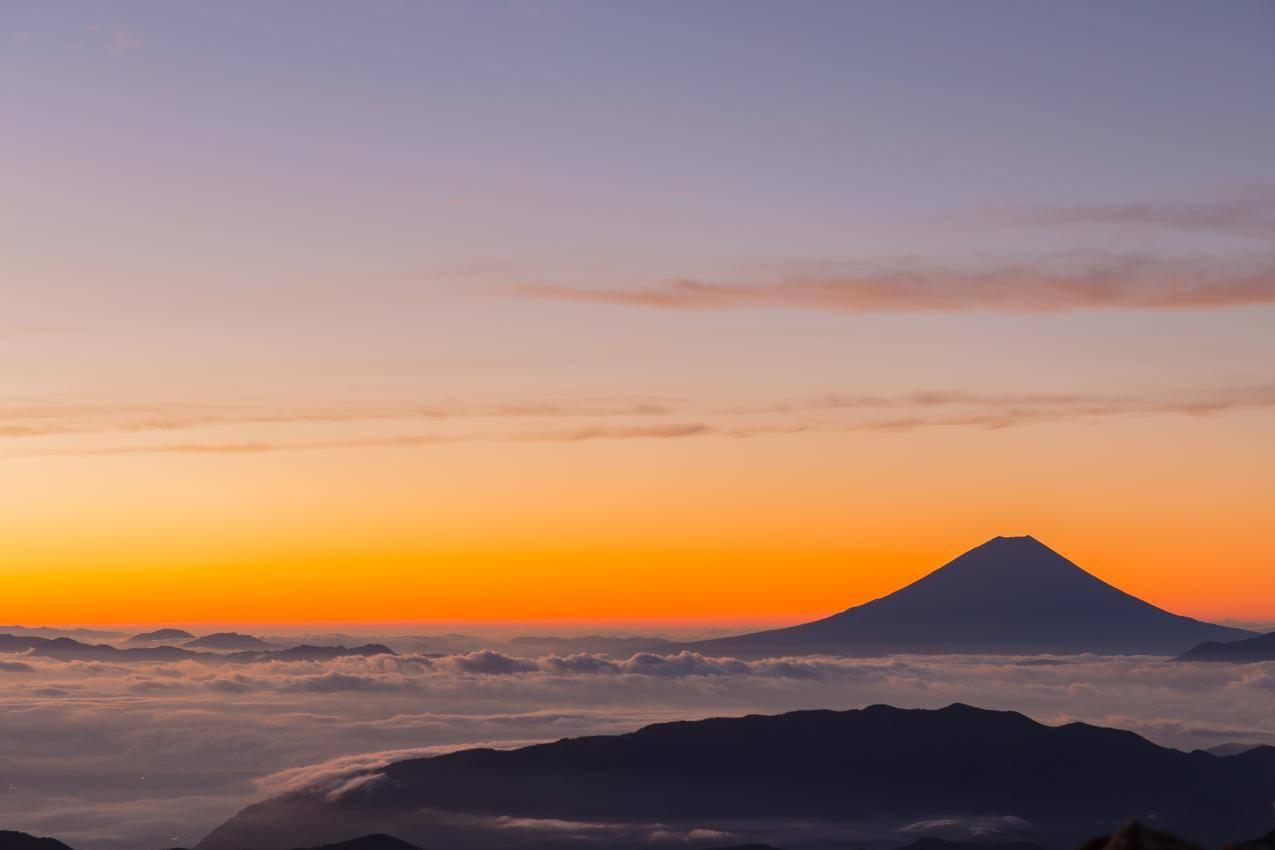 日本,富士山,早晨的阳光,日出,云海,5K风景壁纸