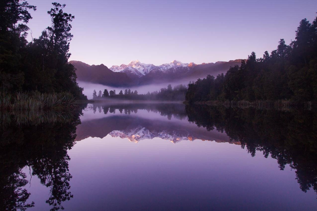 早晨美丽的山水风景4K壁纸