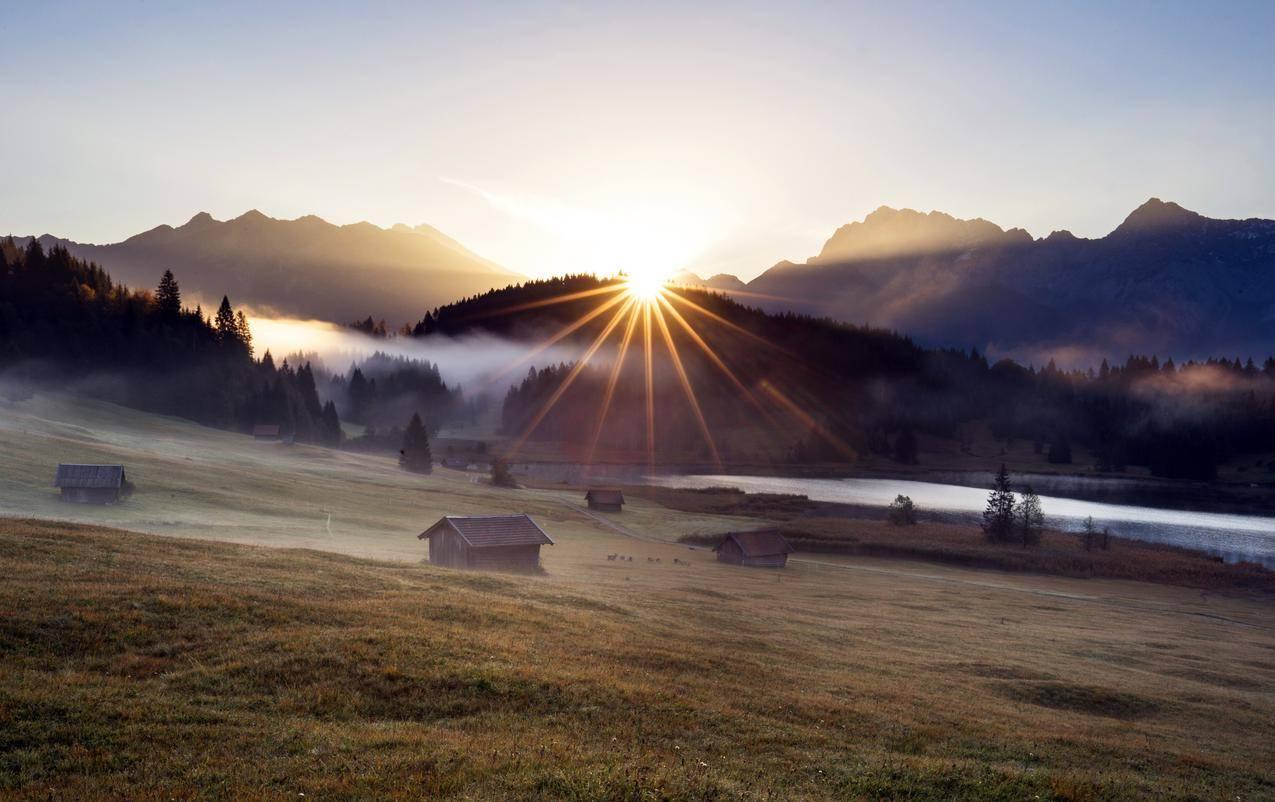 早上,树林,木屋房子,太阳,4K风景壁纸图片