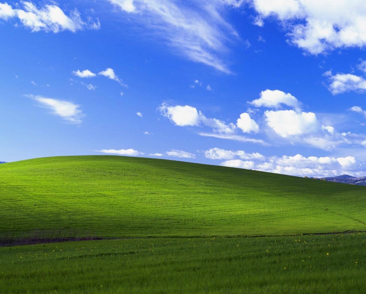 蓝天白云绿草地宁静的图片,xp经典蓝天白云4K壁纸