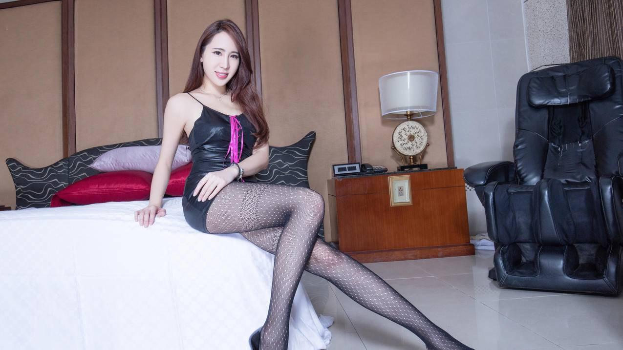 Alice,黑色丝袜美腿4K壁纸