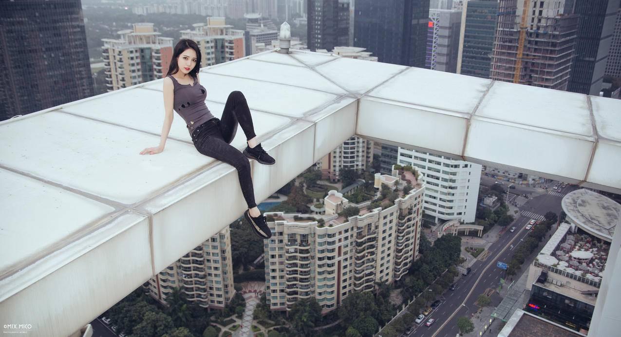 高空建筑,美女摄影,5K壁纸