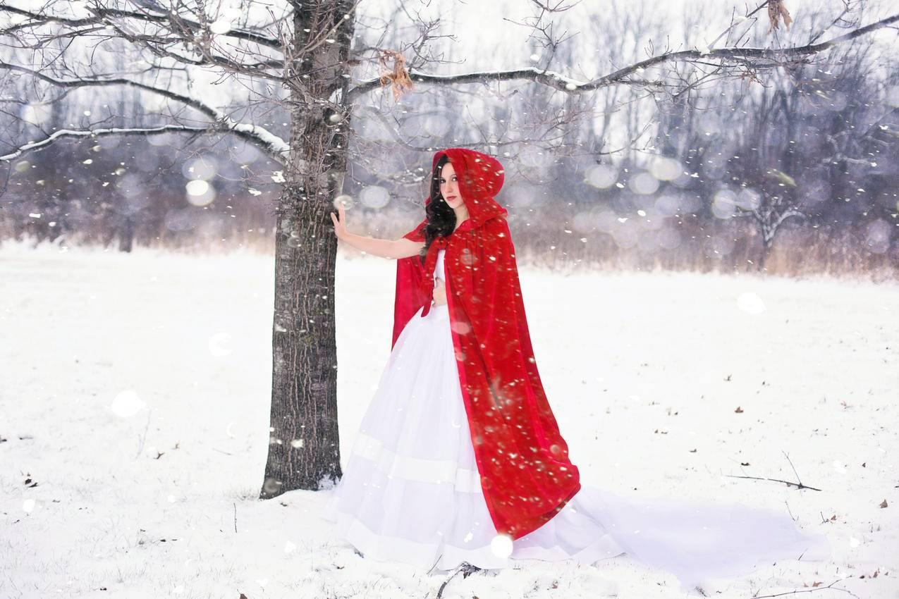 冬天,红色的斗篷,4k美女壁纸