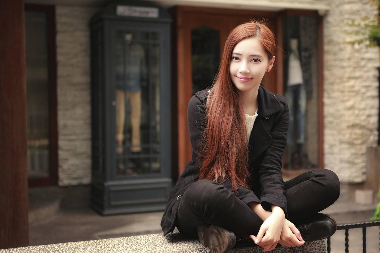 东方美女,长发,盘腿坐姿,4K美女壁纸