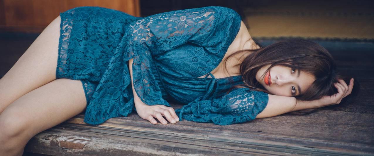 镂空睡衣性感美女3440x1440壁纸