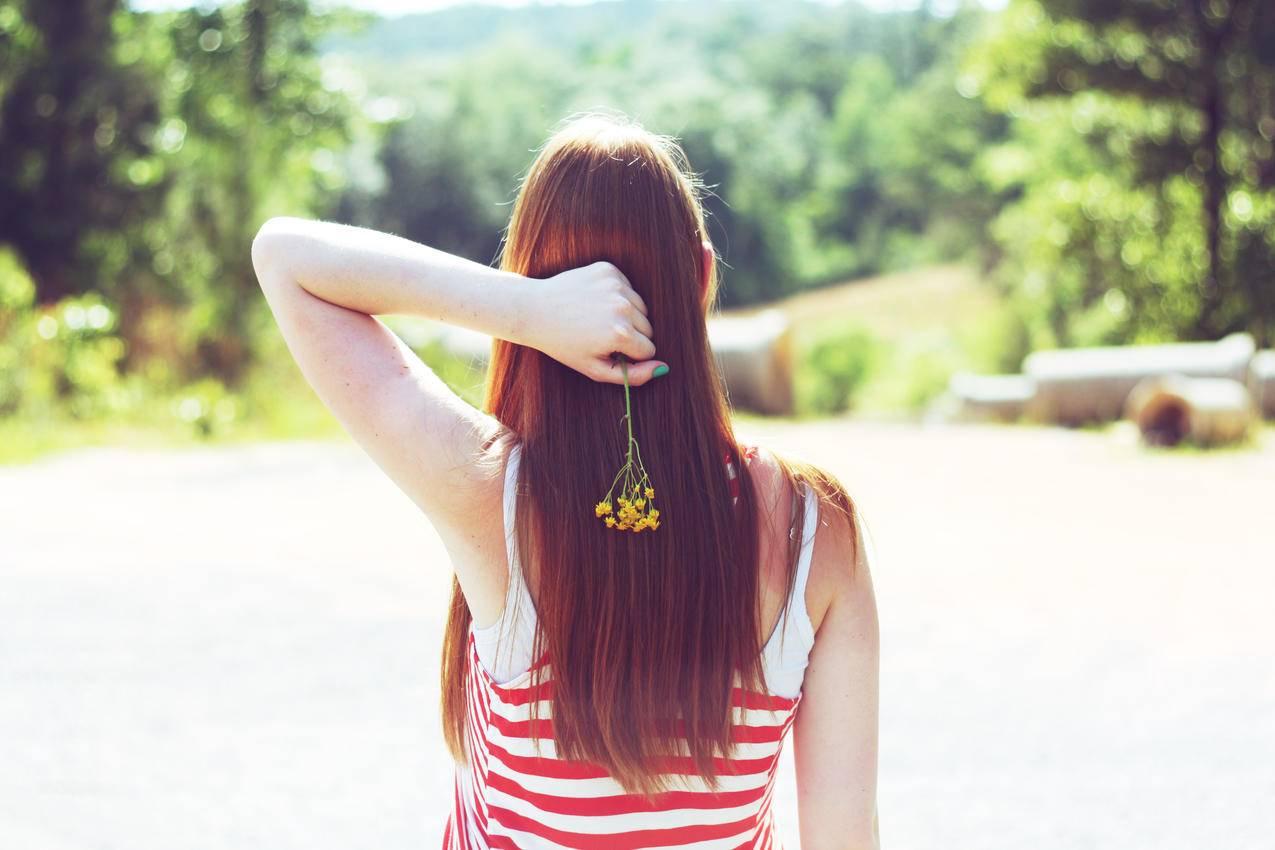 女性,背部,花,4K小清新壁纸